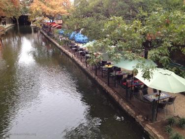 Cafes along Riverwalk
