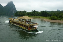 boats cropped Guilin 131 Li river cruise 100