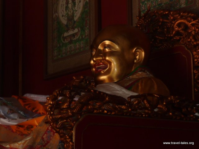 05-14 Lama Temple smiling Buddha