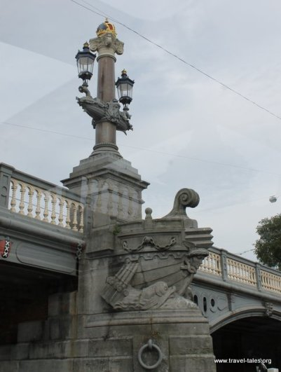 Bridge decoration