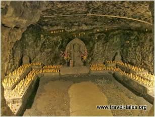 30 Benzaiten cave